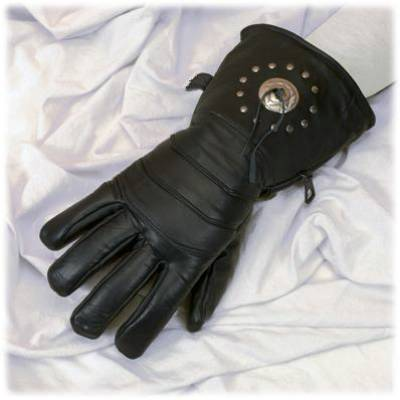 All leather glove with concho and lining